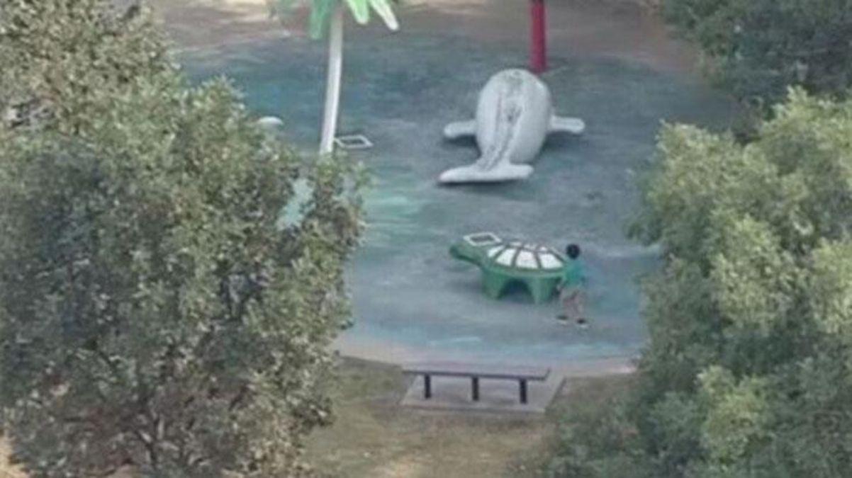 Parkta korku dolu anlar! Çocuğun burnundan giren amip, beynini yedi