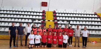 Su Topu: Elazığ Gençlik ve Spor İl Müdürü Eren, sporcularla bir araya geldi