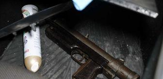 Seyhan: Kaçan otomobilden hafif makinalı tüfek çıktı