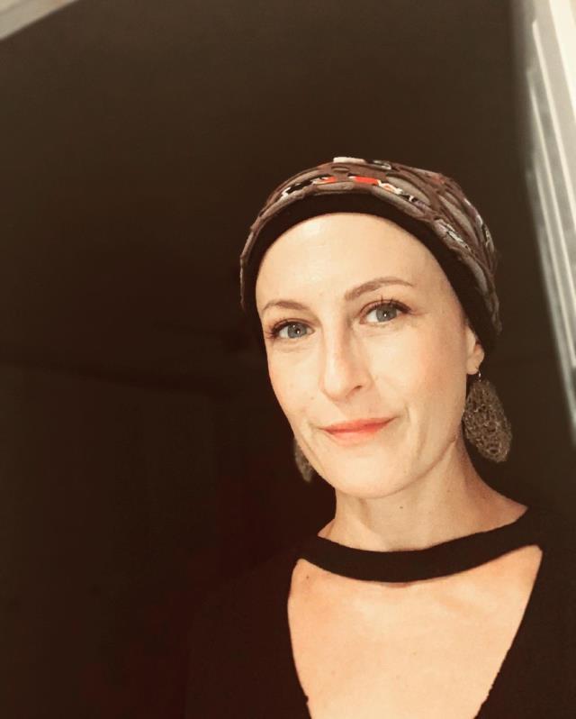 Hastane çıkışı görüntülenen Canan Ergüder, güzel haberi verdi: Kemoterapi bitti