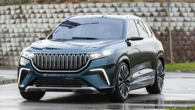 Bakan Varank tarih verdi! Yerli otomobil 2023'te satışa çıkacak