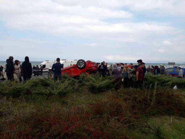 Akçakoca'da iki otomobil çarpıştı: 5 yaralı