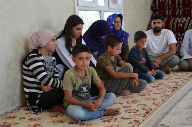 İki ailenin kanlı kavgası, soyadları aynı olan 12 ailenin hayatını kararttı! 160 kişi köyünü terk etmek zorunda kaldı