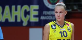 17 yaşındaki Arina Fedorovsteva, neler yaptı neler! Fenerbahçe, derbide Vakıfbank'ı 3-1 mağlup etti