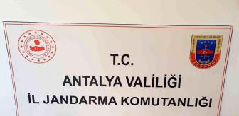 Antalya: Hediye görünümlü uyuşturucu paketi ekiplerin gözünden kaçmadı