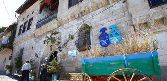 Güllü: Kapadokya'daki müzede 80 ülkenin kültürünü yansıtan folklorik bebekler sergileniyor