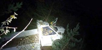 Gümüşhane: Gümüşhane'de kamyonet uçuruma yuvarlandı: 2 ölü, 1 yaralı