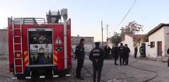Yangın: Müstakil evde çıkan yangında iki kişi dumandan etkilendi
