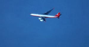 Cumhurbaşkanı Erdoğan'ı taşıyan uçak, Bering semalarında görüntülendi