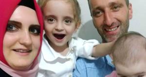 Çocuklarını salona kapatıp, yatak odasında eşini öldürdü