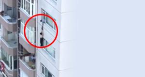 8. katta dehşet! Dakikalarca tuttuğu eşi ellerinden kayıp gitti