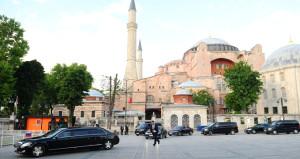 Akşam saatlerinde Ayasofya ve Sultanahmete sürpriz ziyaret