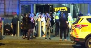 İngiliz taksiciler, yaralıları bedava taşıdı
