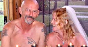 Çılgın çift, davetlilerin önünde çırılçıplak nikah kıydı
