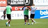 Şampiyonluk turu atmaya hazırlanan Beşiktaş'ta kavga çıktı