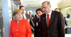 Merkel'in Erdoğan'dan istekleri bir türlü bitmedi!