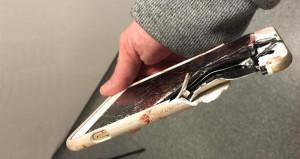 Saldırıdan iPhone sayesinde kurtuldu!