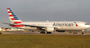 ABDde havaalanı karıştı! Yolcu, yolcunun kolunu ısırıp uçaktan atladı