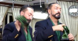 Adnan Hoca Ramazan'ı göbek atarak karşıladı