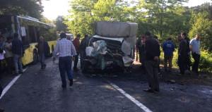 İETT otobüsü ile kamyonet çarpıştı: 1 ölü, 5 yaralı