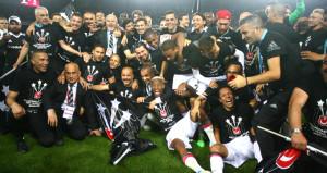 Ligi ikinci tamamlayan Başakşehir, şampiyonu tebrik etti