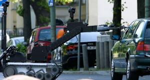 Berlin'de bombalı araç alarmı!