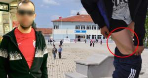 Projeksiyon cihazının kablosuyla öğrencisine dayak attı
