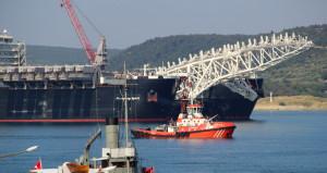 444 metrelik dev gemi için boğaz çift yönlü kapatıldı