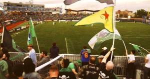 Maçta skandal! YPG bayrağı açtılar