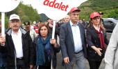 Erdoğan'ı yere göğe sığdıramayan sanatçı, CHP'nin yürüyüşünde!