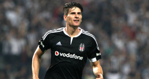 Beşiktaş, Mario Gomez'i KAP'a bildirdi