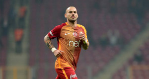 İtalya'dan Sneijder'e kanca! Dört gözle bekliyorlar