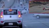 Motosikletten otomobile tekme attı, ortalık savaş alanına döndü