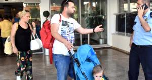 Rezervasyon yaptıran 50 aile otel kapısında kaldı