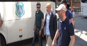 Enis Berberoğlu özel izinle cezaevinden çıktı, taziye evine geldi