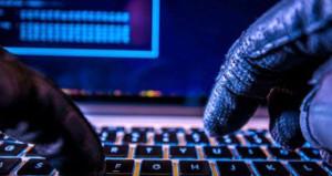 Hackerlar İngiltere'yi rahat bırakmıyor! Bu defa hedef miletvekilleri