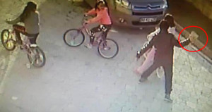 Parke taşıyla küçük kızın başına vuran psikopat, serbest bırakıldı!