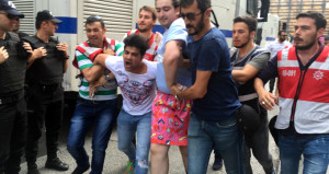 Polis araya girdi, LGBTİ gerilimi sona erdi!