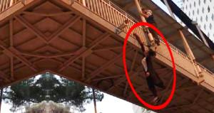 Dehşete düşüren görüntü! Bonzai içen genç kız, köprüden atlamak istedi