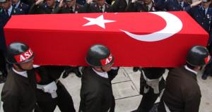 Sivas'ta askerleri taşıyan araç devrildi: 1 şehit, 5 yaralı