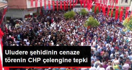 Uludere Şehidi Sinan Hamza'nın Cenaze Töreninde CHP Çelengine Tepki