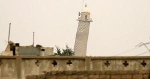 DEAŞ'a karşı kritik zafer! Irak ordusu, 800 yıllık camiyi geri aldı