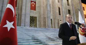 Erdoğan gece 02.32'de halka hitap edecek