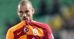 İtalyan ekibi resmen duyurdu: Sneijder için görüşüyoruz