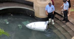 Güvenlik robotu kendini öldürdü!