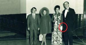 Yıllarca bu fotoğrafta 4 kişi olduklarını sandılar!