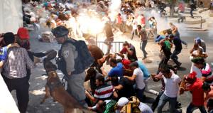 Kudüs'te İsrail terörü! Cuma'dan çıkan cemaate saldırdılar: 2 şehit