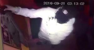 Esnafı bıktıran takıntılı hırsızlar kamerada