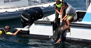 Denizden cansız bedeni çıkarılan adam, hastanede dirildi