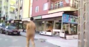 Çorum sokaklarındaki 'çıplak vatandaş' polisi harekete geçirdi
